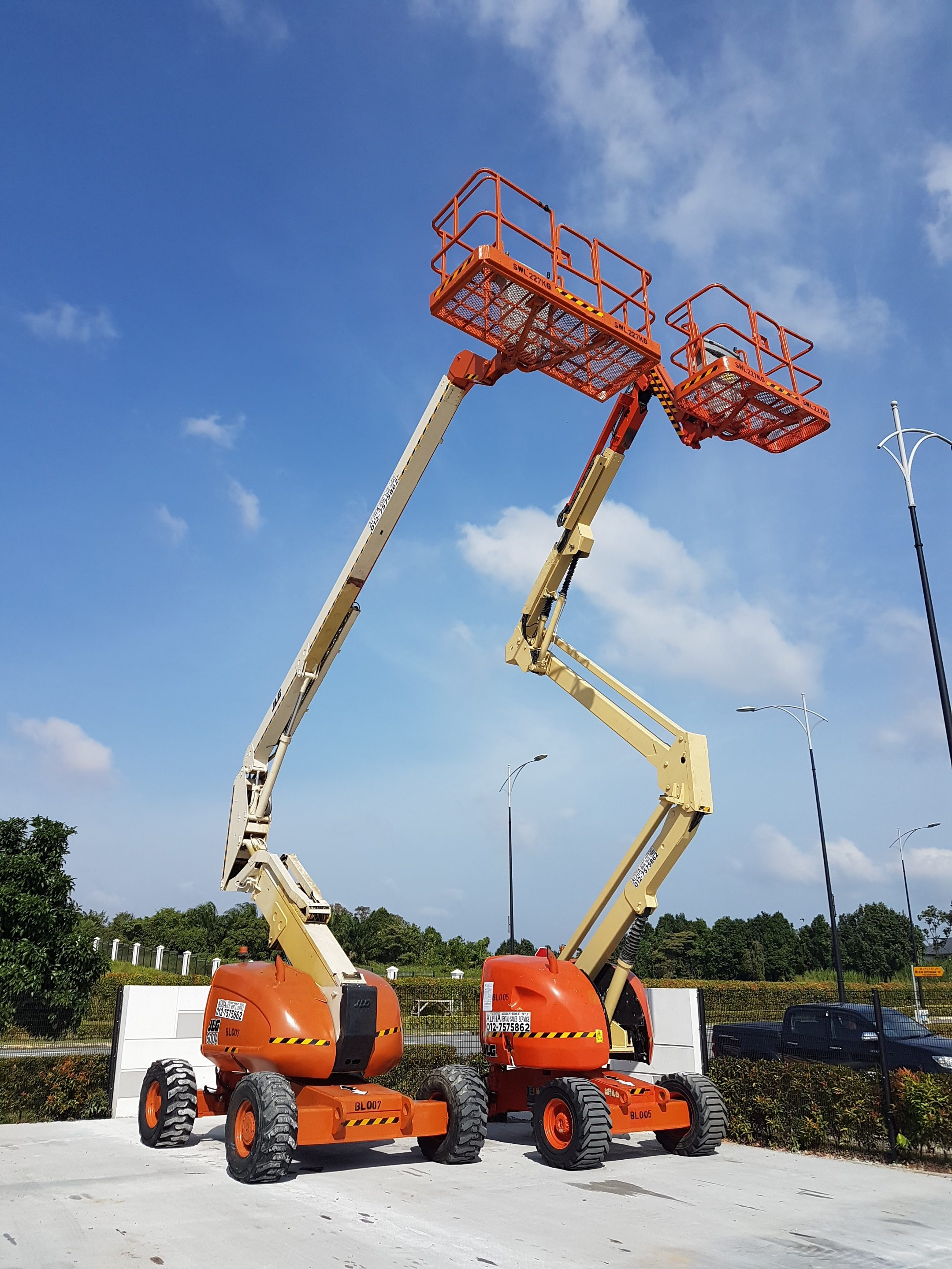 JLG Articulated Boom Lifts